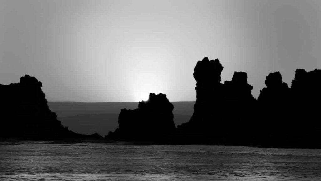 Lever de soleil - lac abbe - djibouti by Olivier Bezombes