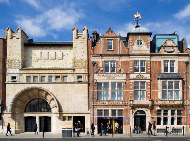 Whitechapel Art Gallery , London, England.